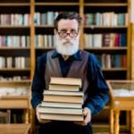 Uniwersytet Trzeciego Wieku – nauka bez ograniczeń. Jak zapisać się na studia trzeciego wieku?
